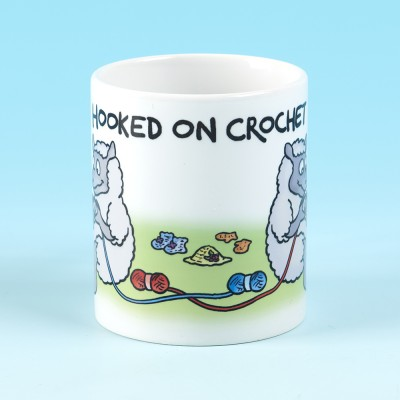 5122 Mug HOOKED ON CROCHET